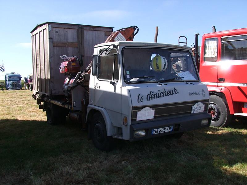 Rassemblement de camions anciens en Normandie 35155795420_efdeec8c0a_c
