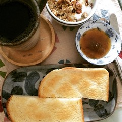 a little tart but not sour❤︎ #ume #jam #osaka #japan #toast #coffee #yogurt #granola #トースト #珈琲 #ヨーグルト #グラノーラ #梅ジャム #大阪