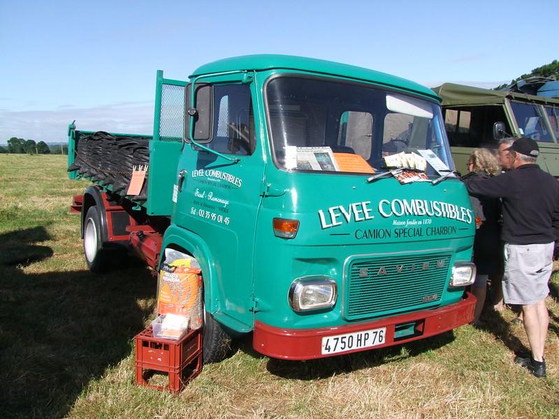 Rassemblement de camions anciens en Normandie 35364265382_255ab38748_c