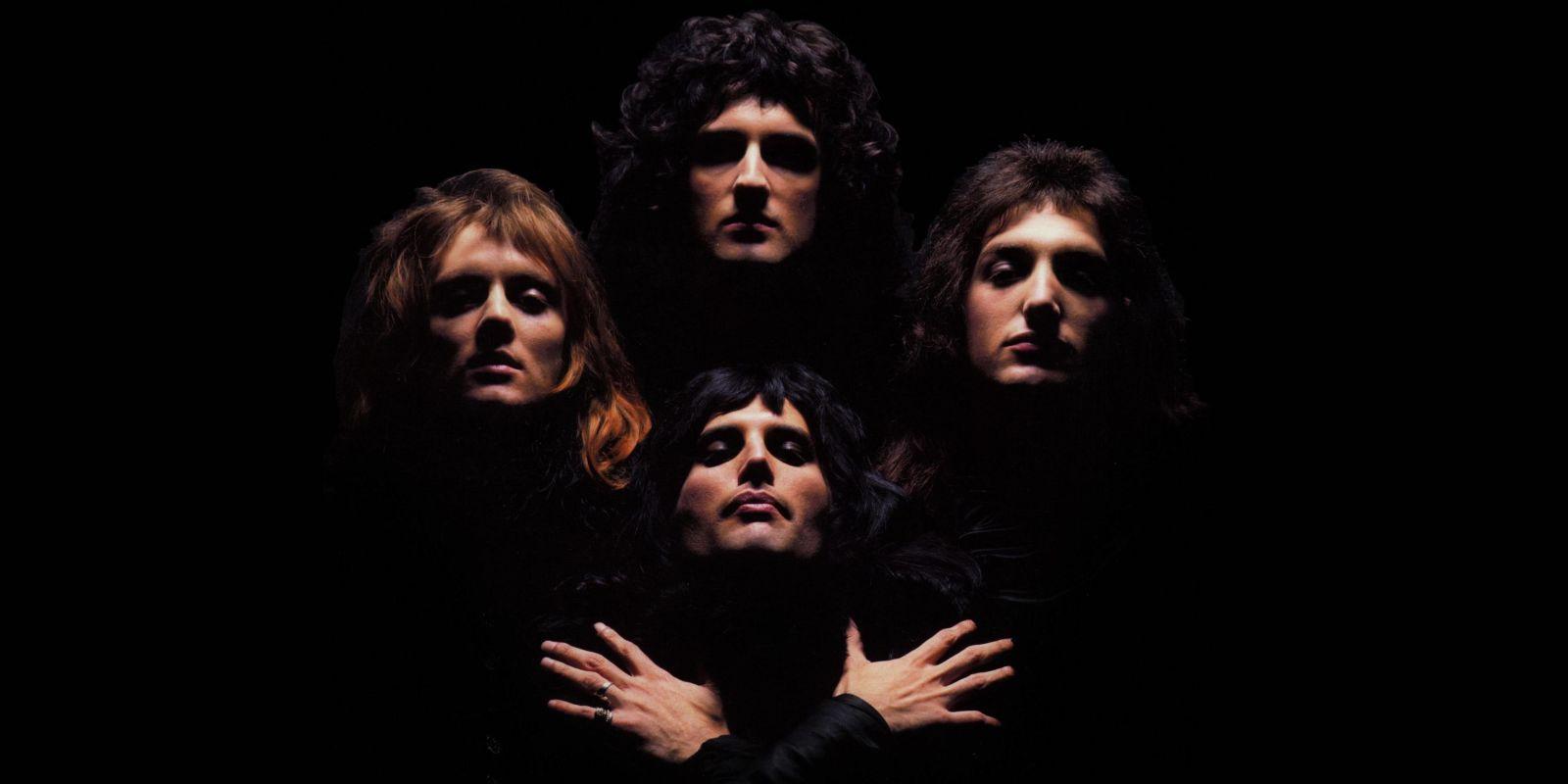 [VIDEO] Crowd sings Bohemian Rhapsody before a Green Day concert in London
