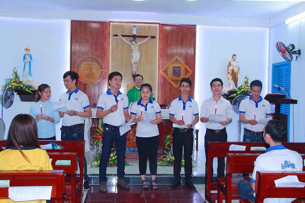 Ban điều hành khóa VI nhóm Giới Trẻ Công Giáo Phá tDiệm tại Miền Nam