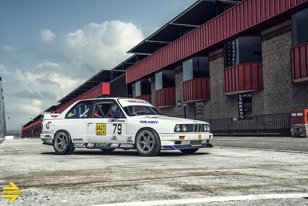 momo-motorsport-race-track-bmw-e30-m3-classic-sports-car-c ...