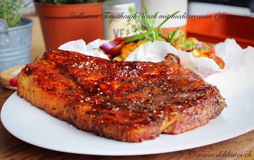 Tomahawk-Steak vom Grill mit Ofengemüse