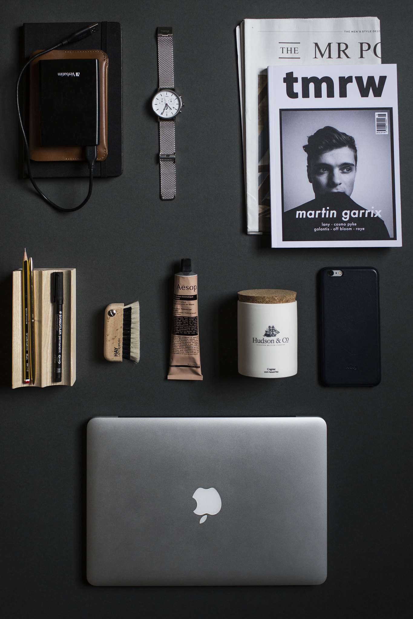 Jordan_Bunker_desk_essentials_1