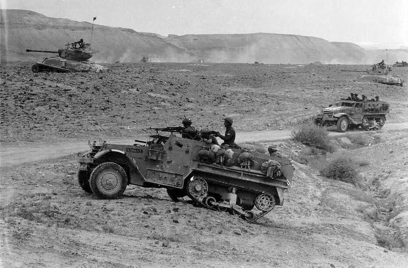 M4-Sherman-M3-halftrack-1956-idfa-1