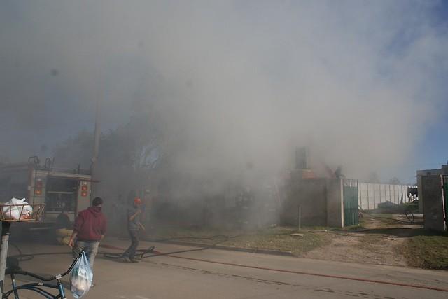 Incendio en calle Castelli al 800