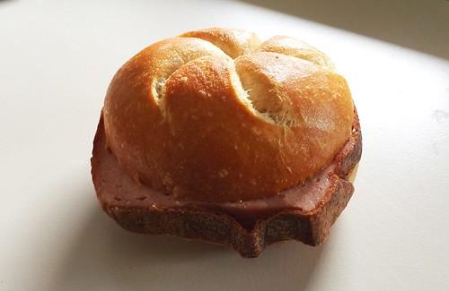 Meat loaf bun / Leberkäs'semmel
