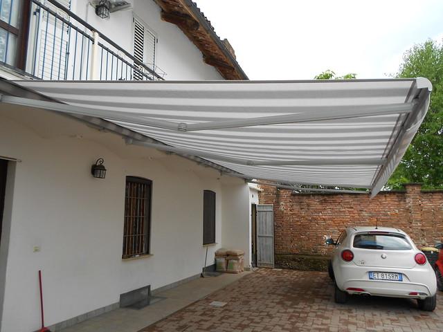 Tenda da sole a bracci estensibili di grandi dimensioni Torino