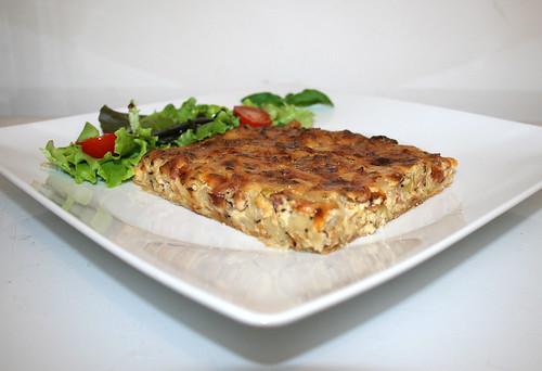 52 - Frankish onion quiche with salad - Side view / Fränkischer Zwiebelkuchen mit Salat - Seitenansicht