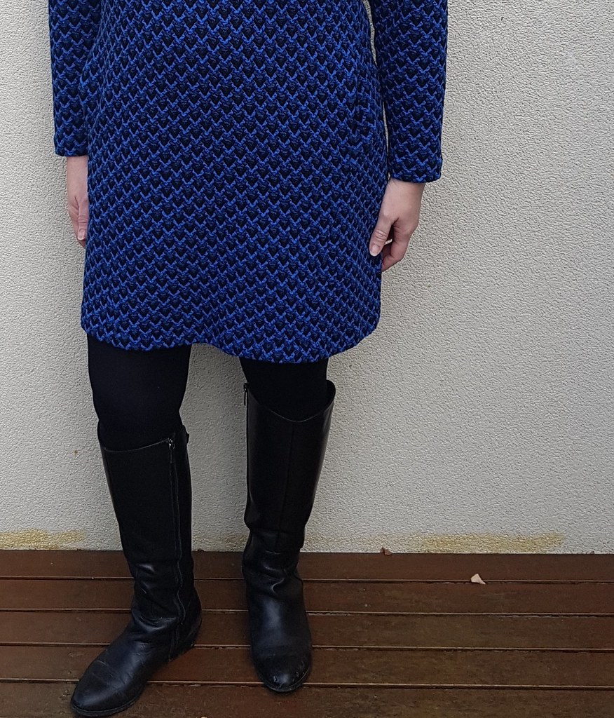 Lekala 4590 tunic in textured knit from Darn Cheap Fabrics