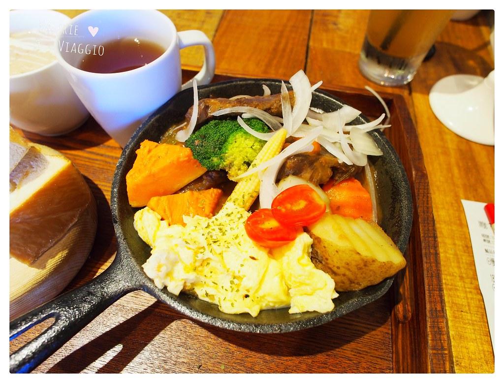 【高雄 Kaohsiung】再訪卡菲小食光分店/民生四號店 來份骰子牛排的豐盛早午餐吧 @薇樂莉 ♥ Love Viaggio 微旅行