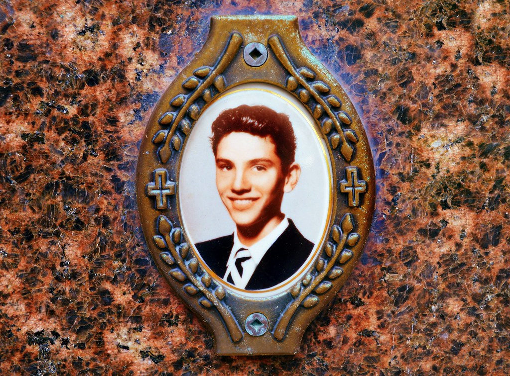 Oval Ceramic Memorial Photograph Holy Cross Cemetery Flickr - Ceramic memorial photos
