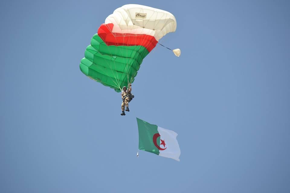 موسوعة الصور الرائعة للقوات الخاصة الجزائرية - صفحة 62 35797234906_5a4a6d3843_o