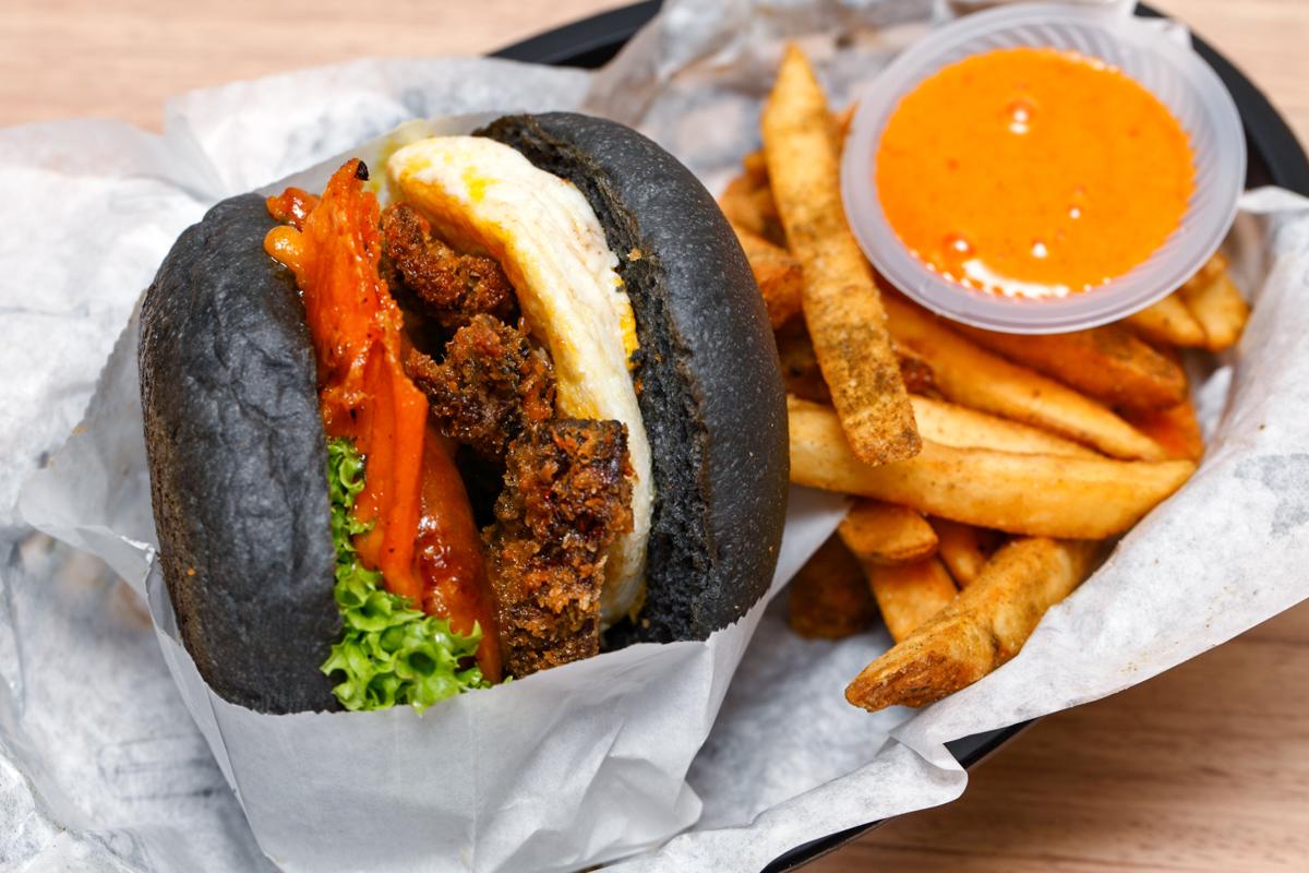 myBurgerLab Beautiful Mess Burger
