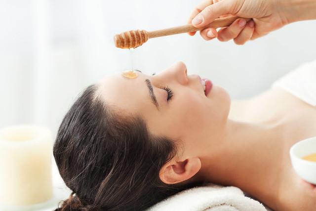 Sử dụng mật ong để làm đẹp da