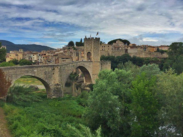 Besalú (pueblo medieval de La Garrotxa, Girona)