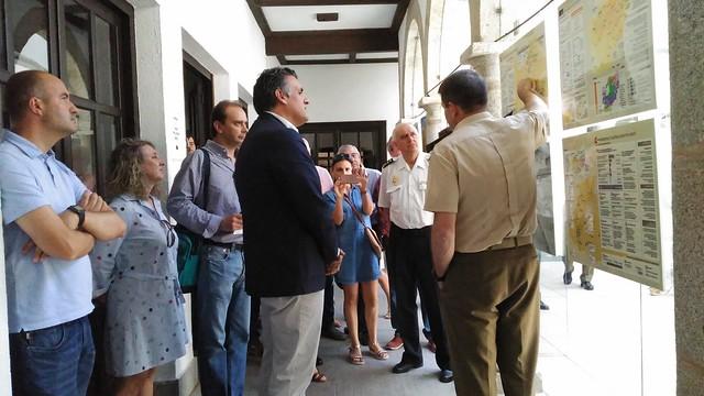 """La exposición de fotografías """"MISIÓN AFGANISTÁN"""" ha sido inaugurada esta mañana en el Ayuntamiento de Coria"""