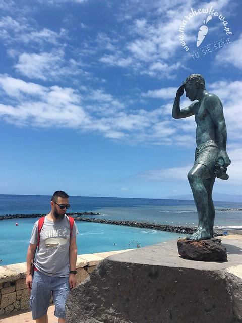 Playa del Duque, ocean, błękit, maj 2017, pomnik ratownika