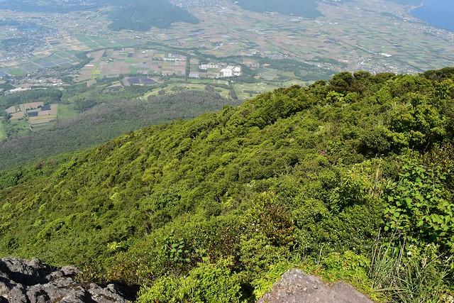 断崖絶壁の開聞岳山頂
