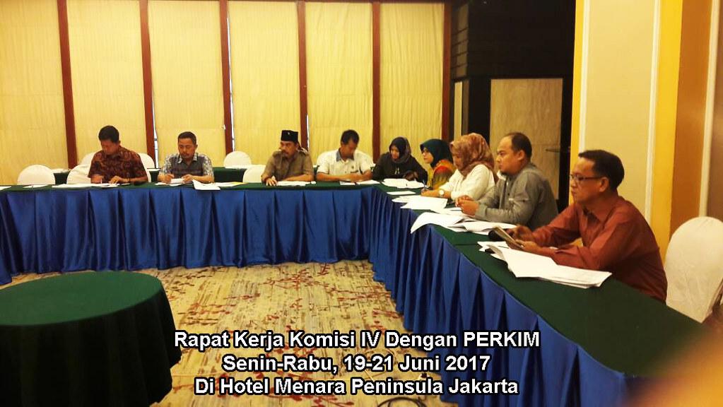Foto Rapat Kerja Komisi Bulan Juni