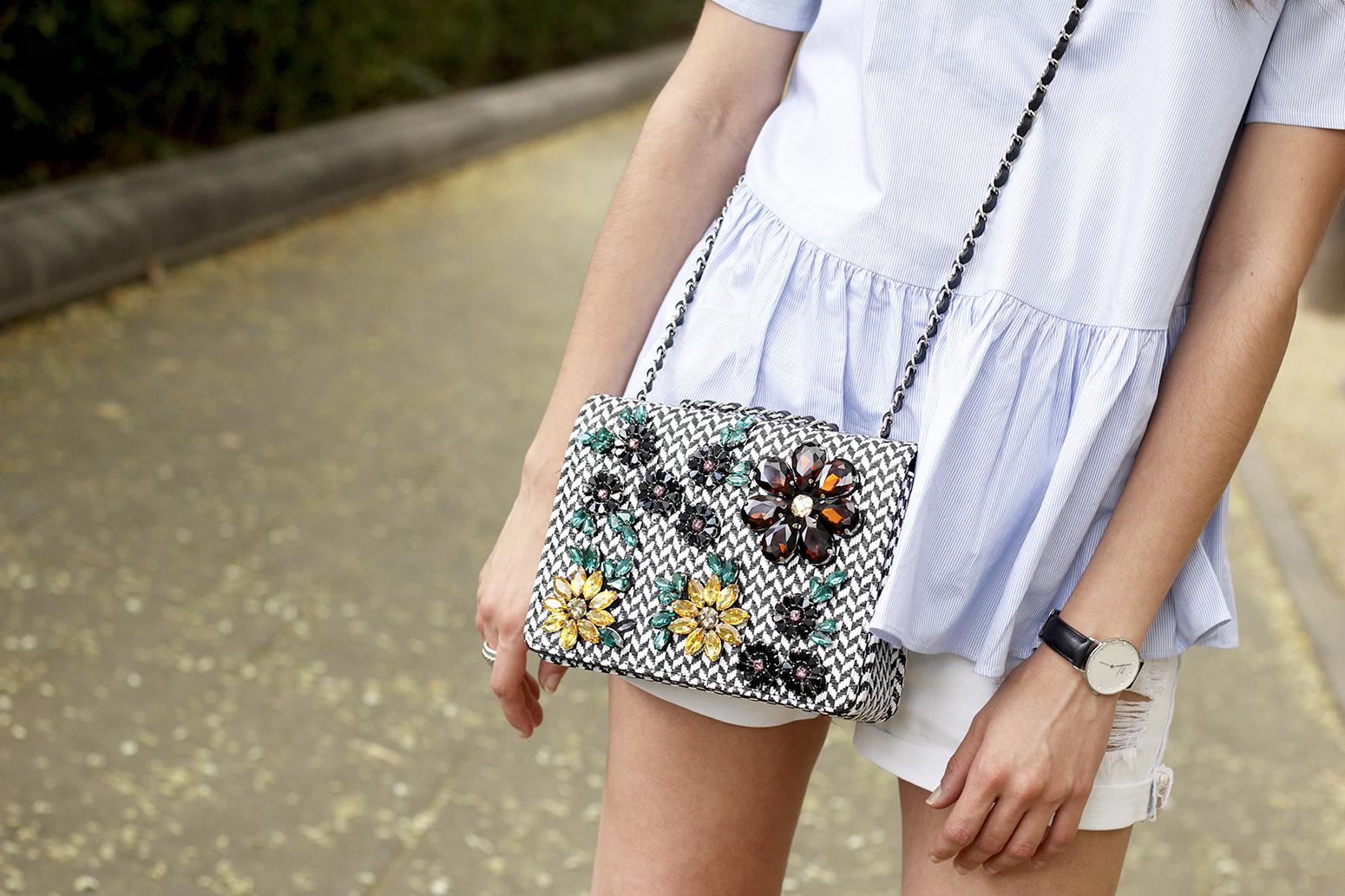 blue light striped shirt denim shorts uterqüe jewel bag accessories summer outfit11