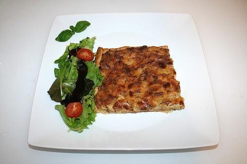 51 - Frankish onion quiche with salad - Served / Fränkischer Zwiebelkuchen mit Salat - Serviert