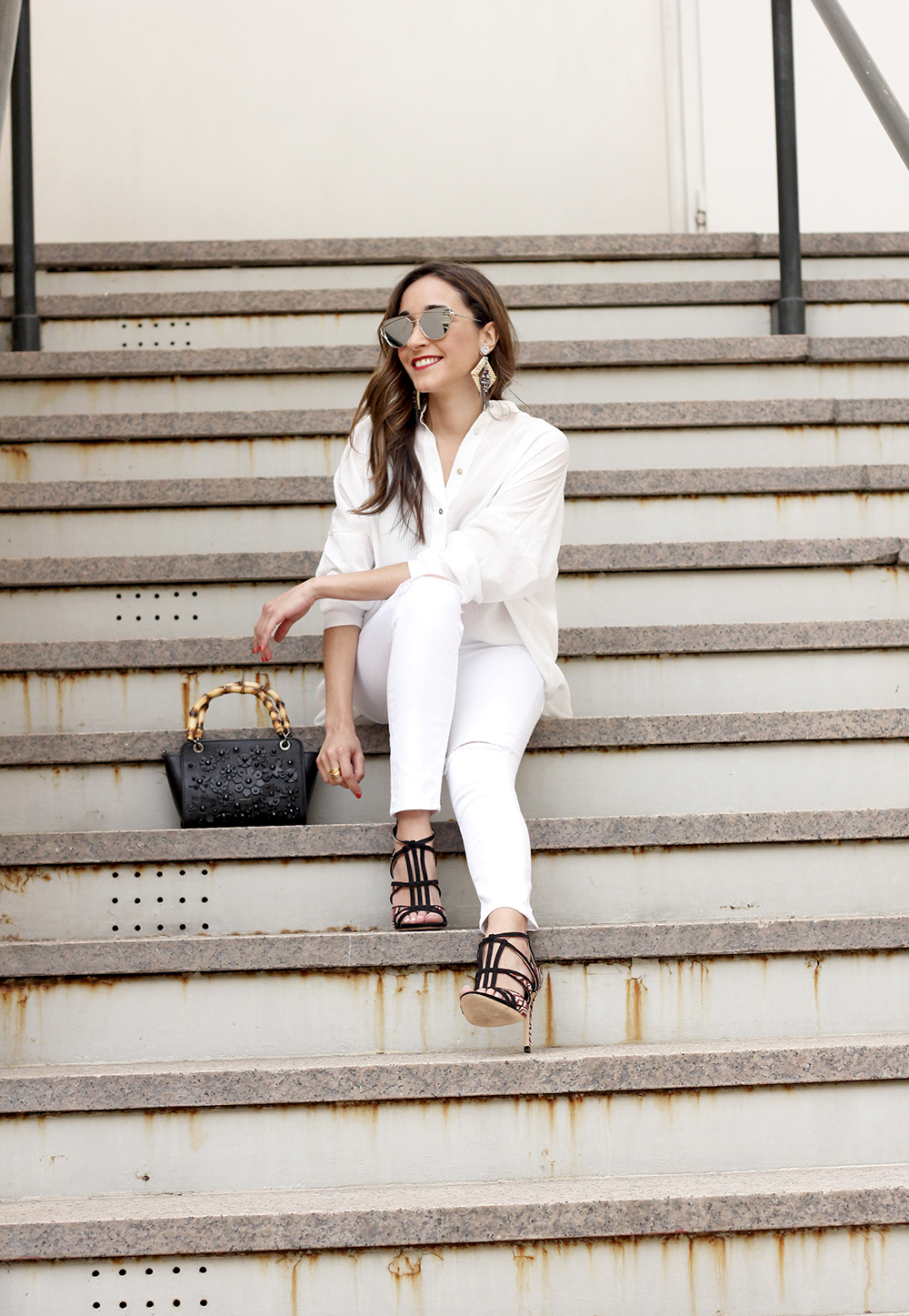white outfit uterqüe bag heels summer style1