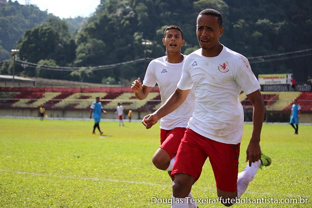 Samuel, atacante do Real Cubatense, comemora gol marcado no empate em 2 a 2 contra o Manthiqueira, em partida válida pelo Campeonato Paulista da Segunda Divisão de 2017, disputada no dia 25 de junho