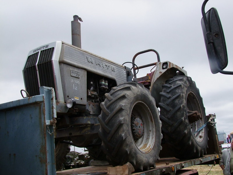 Rassemblement de camions anciens en Normandie 35386219972_315d8a4b32_c