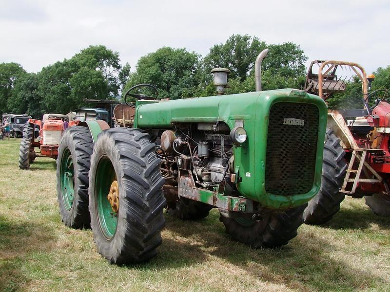 Rassemblement de camions anciens en Normandie 35421286251_60e77b2918_c