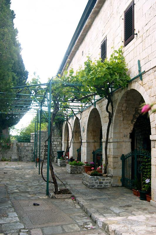 На территории монастырского комплекса