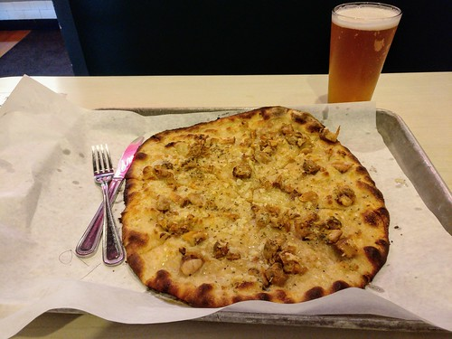 White Clam Apizza