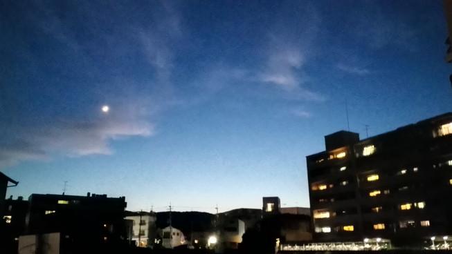 絵本のような夜景