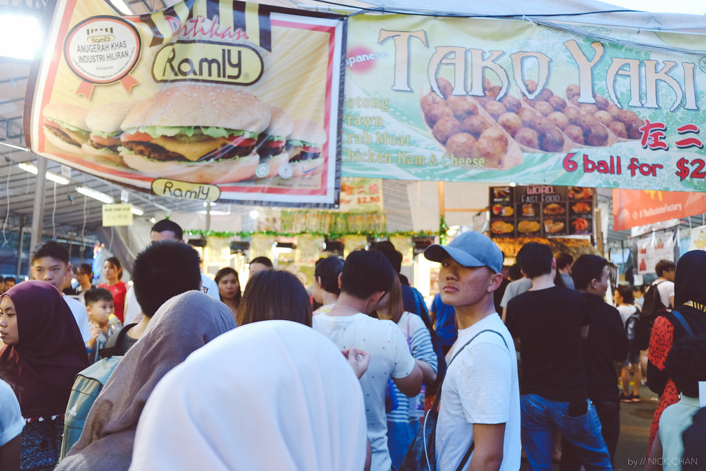 Ramadhan Bazaar At Geylang Serai Is A Must-Go In Singapore