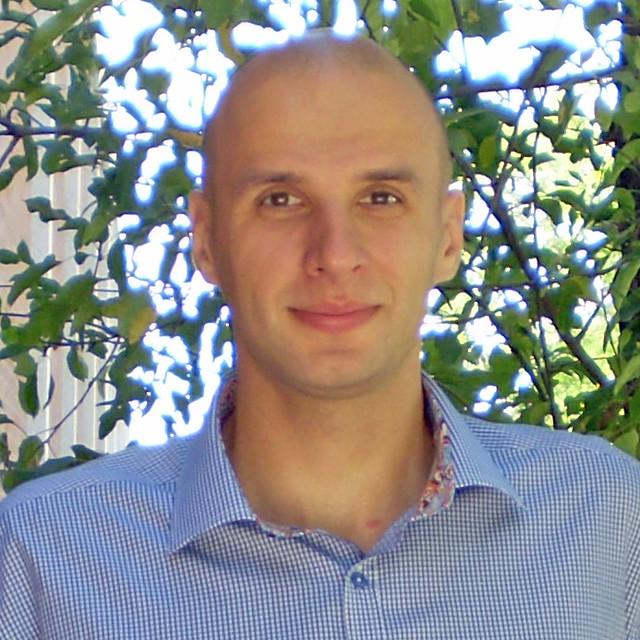 Dmytro Pesin