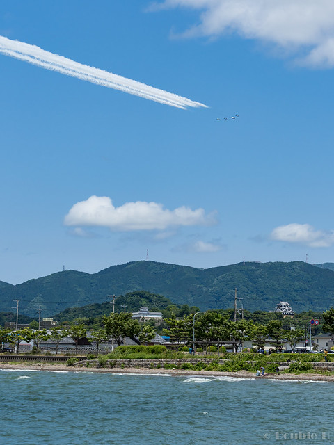 Blue Impulse's rehearsal flight for the 410th anniv. of Hikone Castle (11) Swan Low Pass