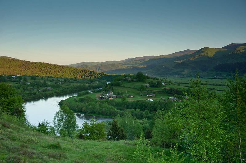 Долина річки Стрий
