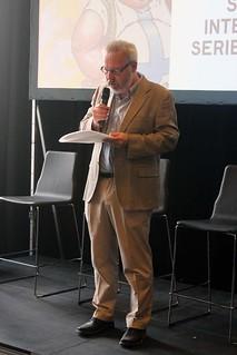 Joakim Pirinen håller invigningstalet.