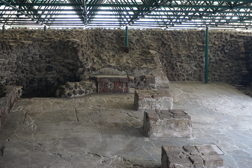 Banquetas de casa de las guilas templo mayor m xico - La casa de las angulas ...