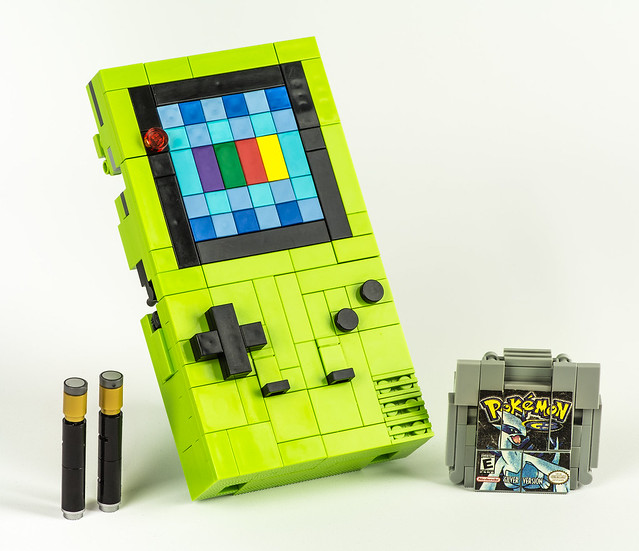 "LEGO Game Boy Color Transformer ""Prismatis"""