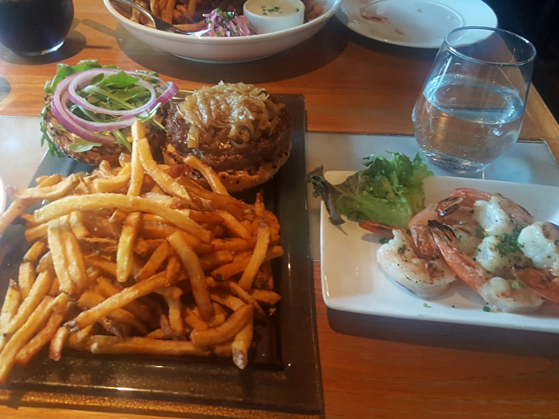 Pearl Diver burger