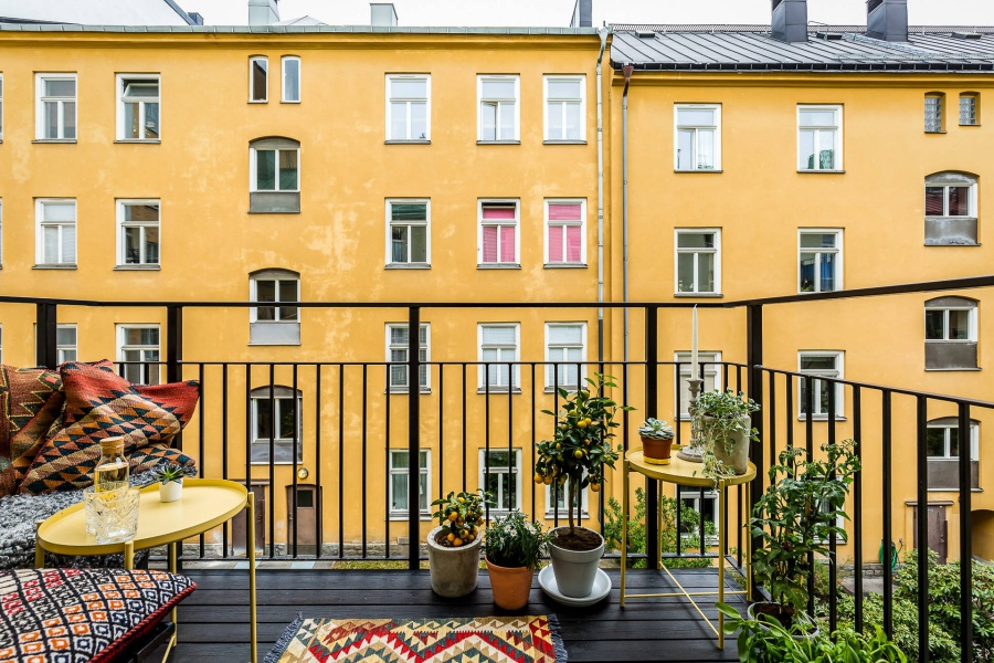 Scandinavian Home With A Pop Of Color