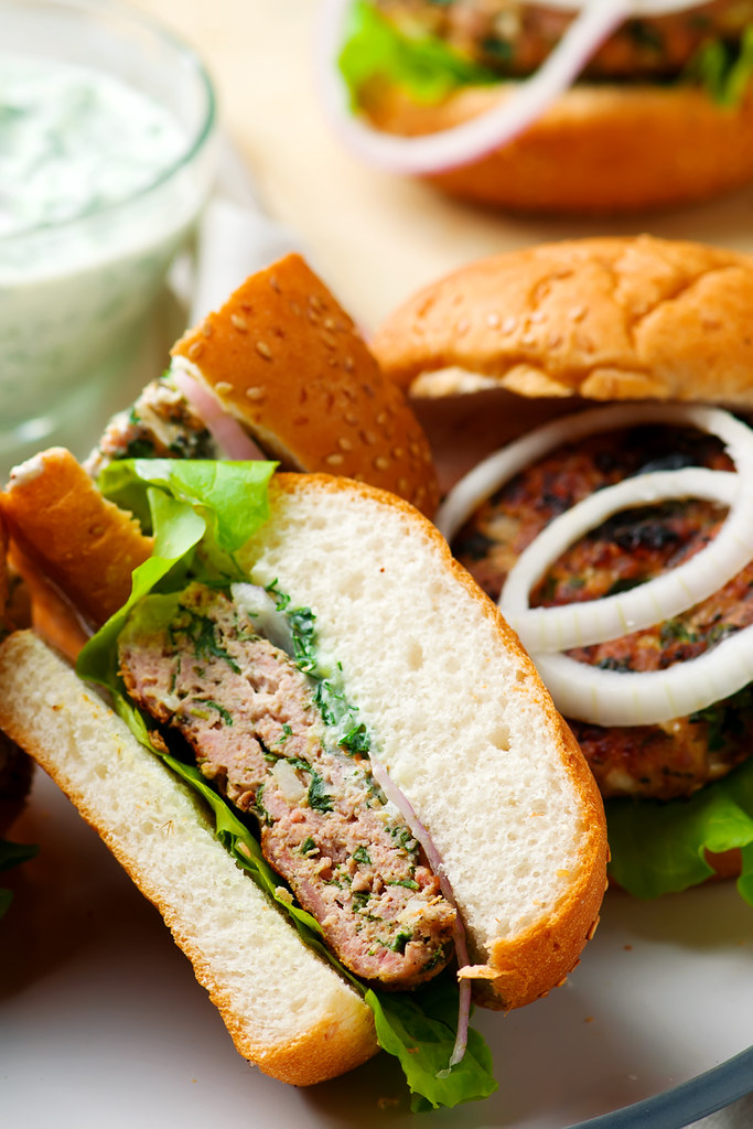 greek turkey burgers tzatziki sauce.4