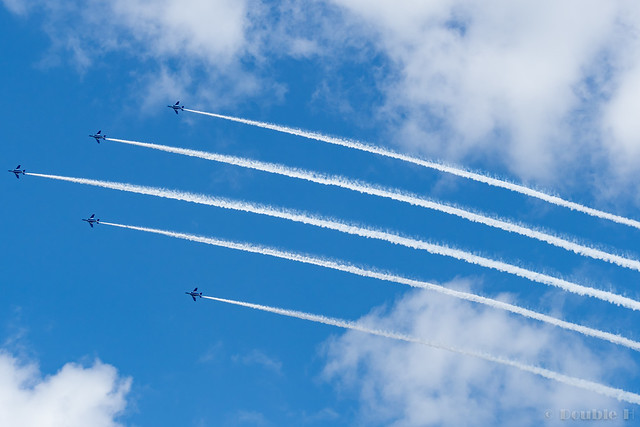Blue Impulse's rehearsal flight for the 410th anniv. of Hikone Castle (37) Change Over Turn
