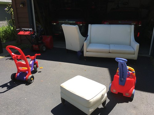 Neighborhood Garage Sale Deals