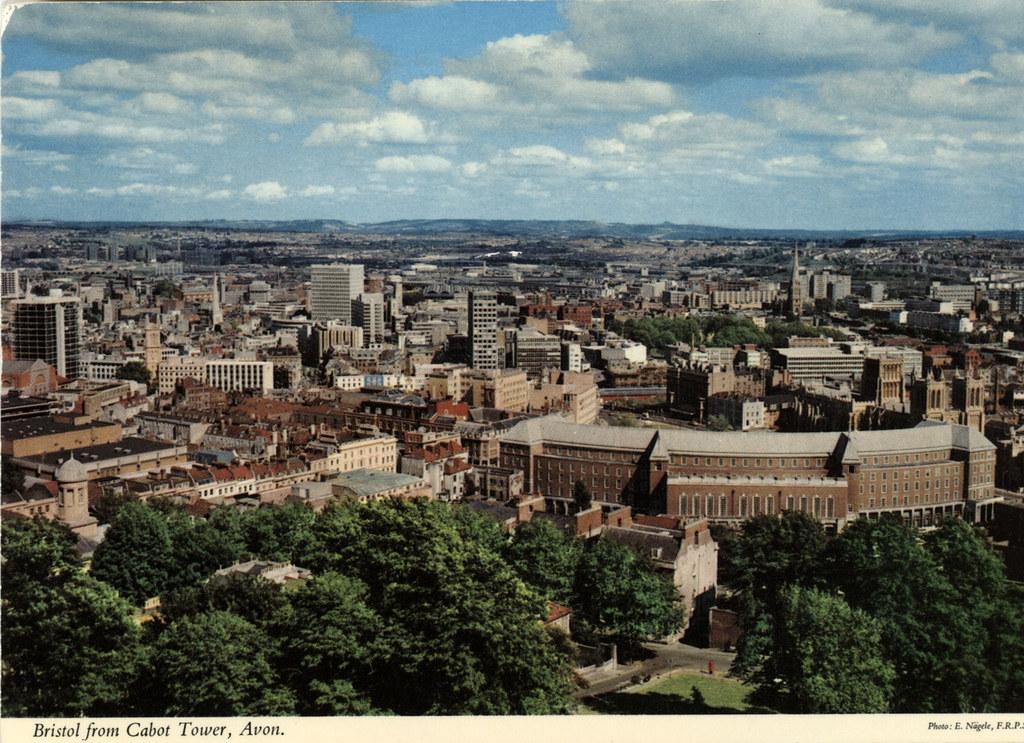 Carte postale de Bristol : Vue de la Cabot Tower.
