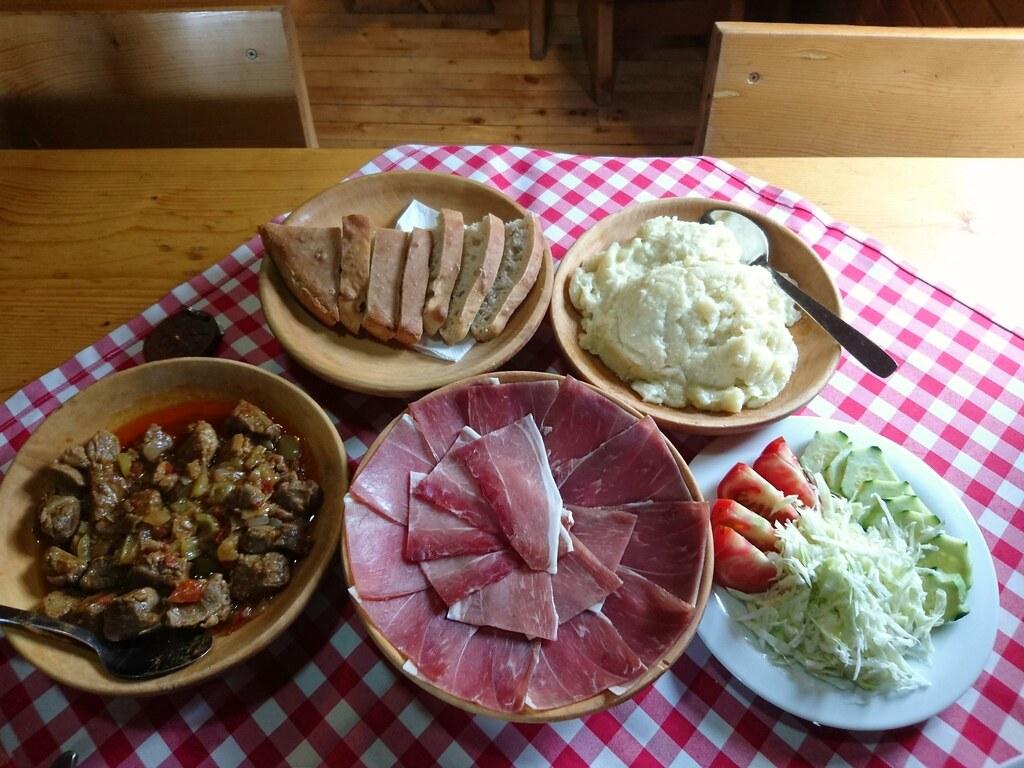 Dinner, Eko Katun Stavna