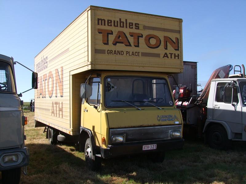 Rassemblement de camions anciens en Normandie 35546414135_000e8ea2bd_c