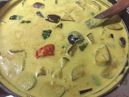タイ風ココナッツミルクの炒め野菜カレー