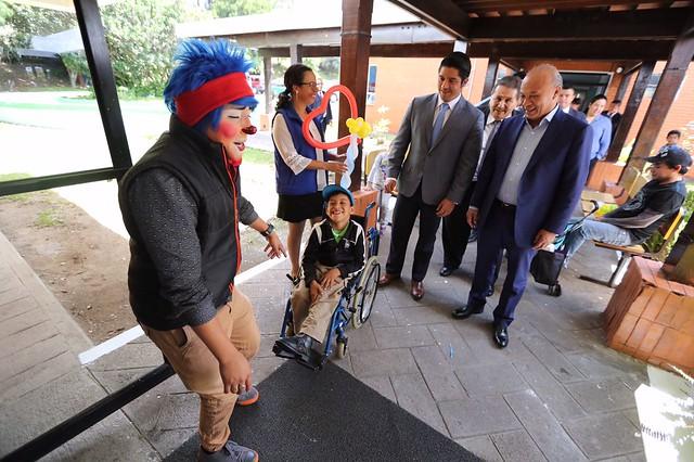 Ministro José Luis Chea Urruela se solidariza con causa de la Teletón